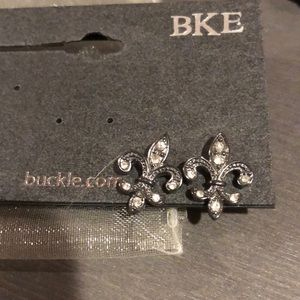 NWT Fleur de Lis Earrings